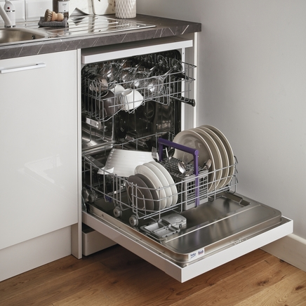 Beko White freestanding 60cm dishwasher