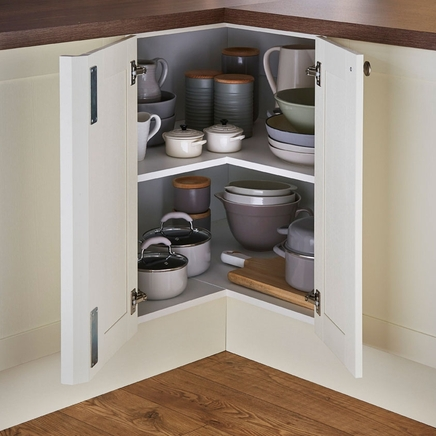 Corner base shelf unit & Corner base shelf unit | Kitchen storage solutions | Howdens Joinery