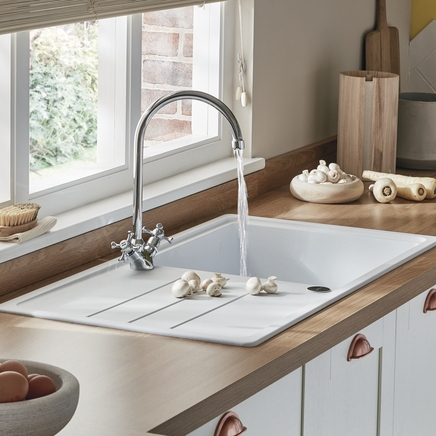 Lamona Traditional swan neck monobloc tap