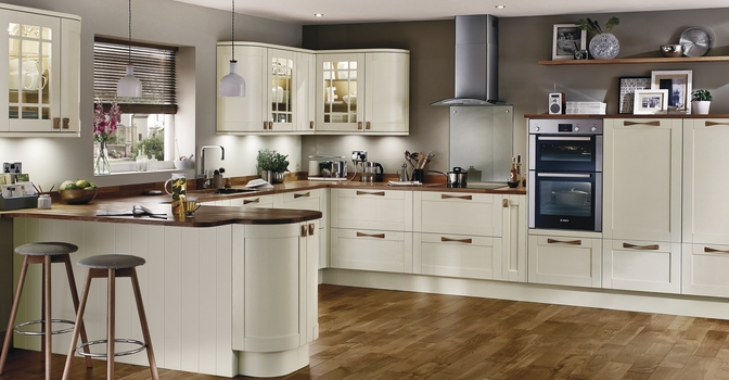 Matching Furniture To Grey And White Kitchen