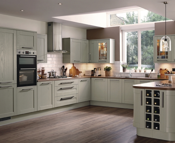 Tewkesbury kitchen range shaker kitchens howdens joinery Howdens kitchen design reviews