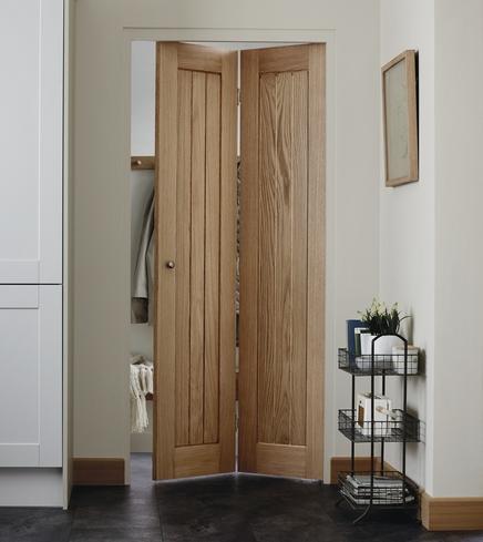 Genoa Oak Bi Fold Door Howdens Joinery