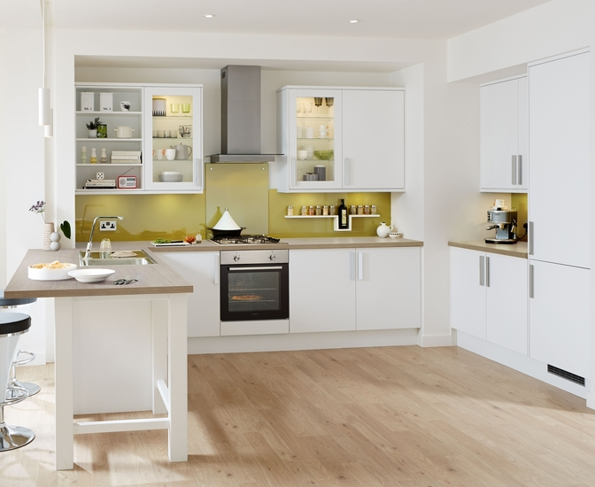 Stockbridge Super Matt White Kitchen Range Universal Kitchens Howdens Joinery