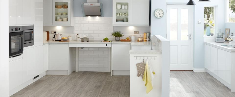 Clerkenwell Gloss White adapted kitchen