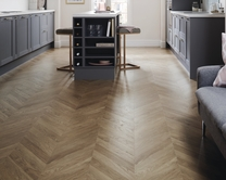 Professional Oak Chevron laminate flooring
