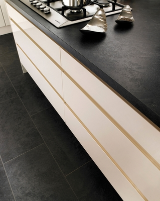 Gloss Cream Integrated Handle Kitchen Range Kitchen