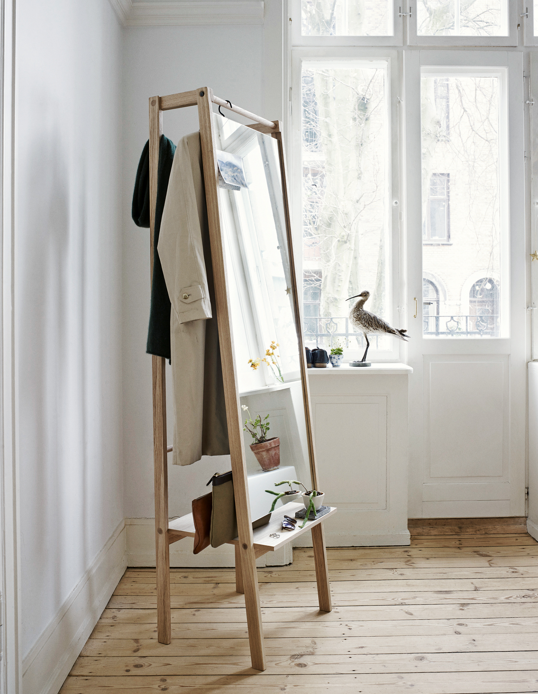 The Valet Stand Gets A Hip Style Upgrade How To Spend It