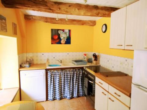La Petite Longere, fully equipped kitchen with window seat