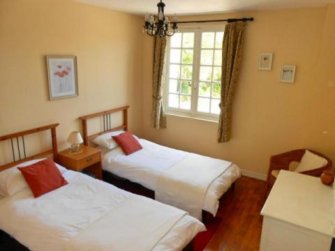 La Belle Maison, twin bedroom
