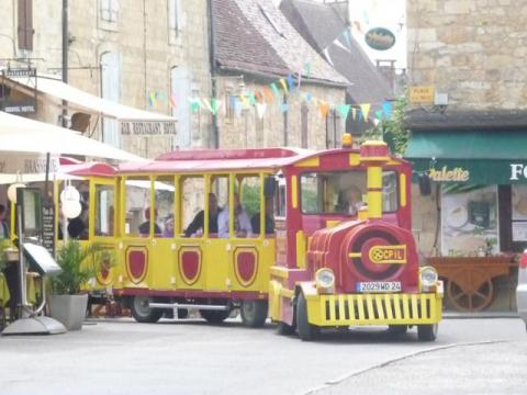 Tourist train in Domme