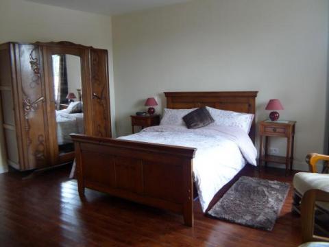 Master Bedroom at Le Vieux Café