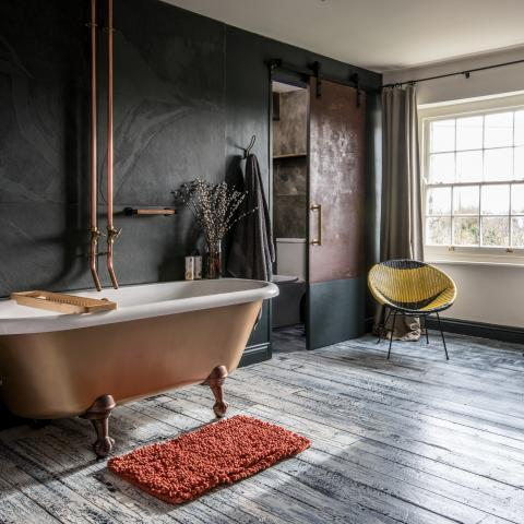 Godney Arts House roll top bath