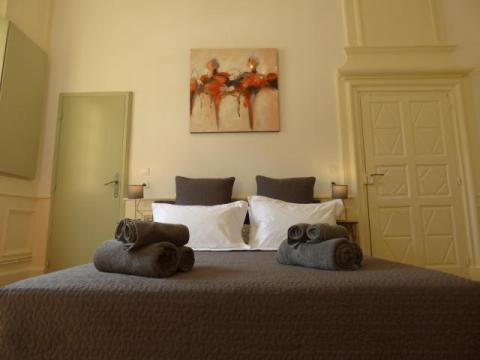 La Liberté Studio Sarlat - comfortable 160x200 Bed