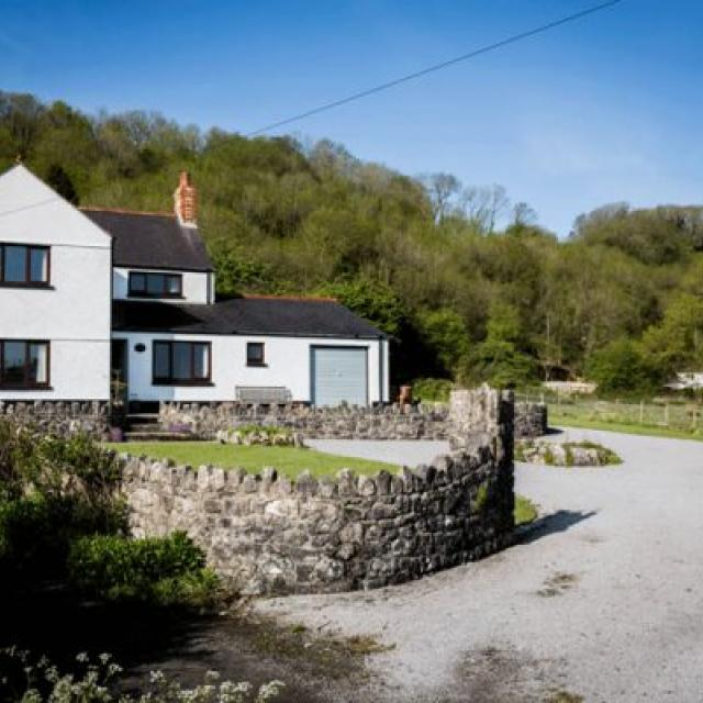 Hill House - Gower self catering holiday cottage
