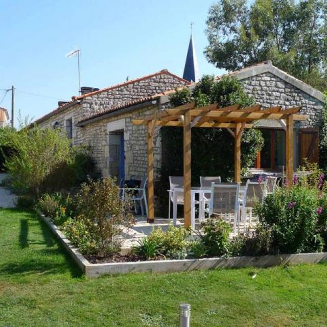 L'Ecurie Holiday Home in Lairoux, Vendee