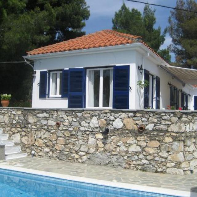 Villa Maestrali and Private Pool with View on Kolios Bay