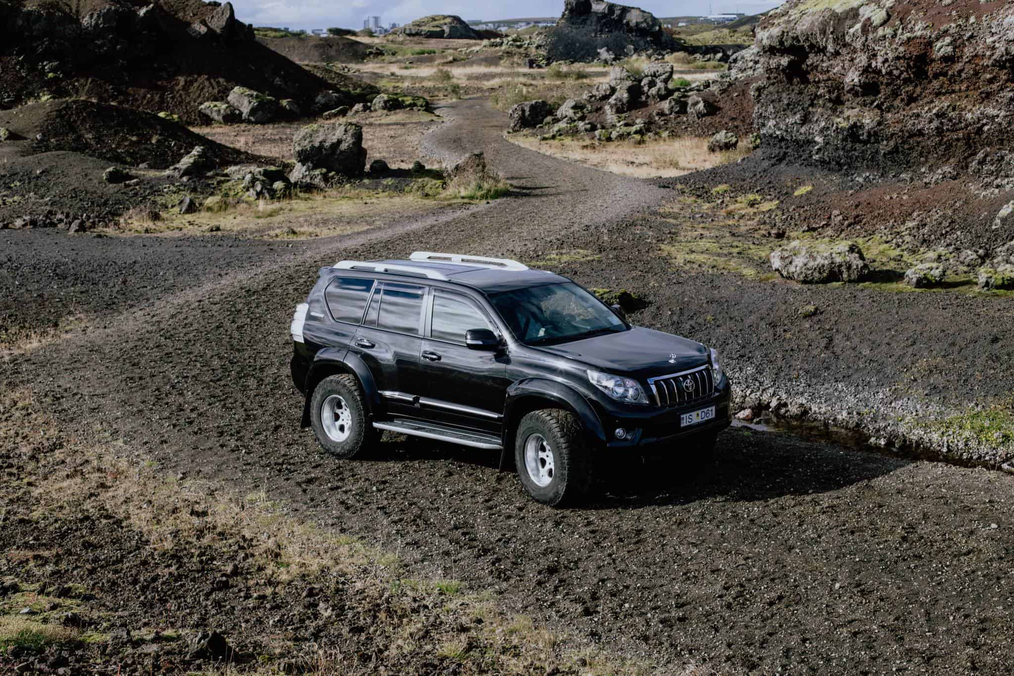 Luxury 4x4 Jeep For Your Private Transfer From Reykjavik To The Airport