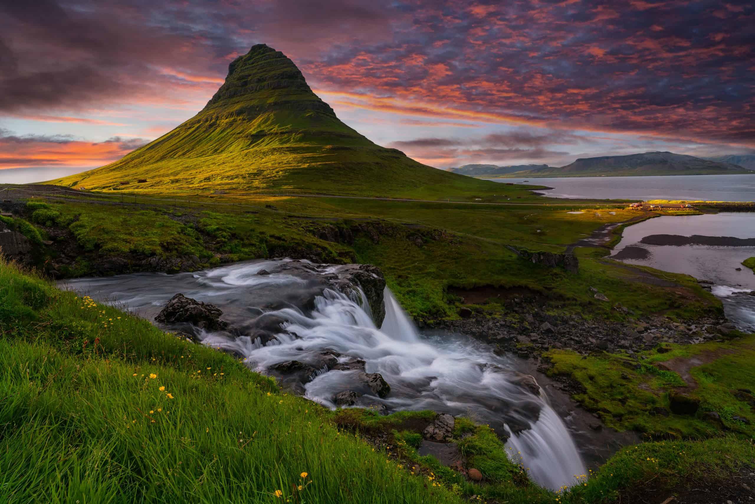 View ov the Beautiful Kirkjufell Mountain on Snæfellsnes in Iceland