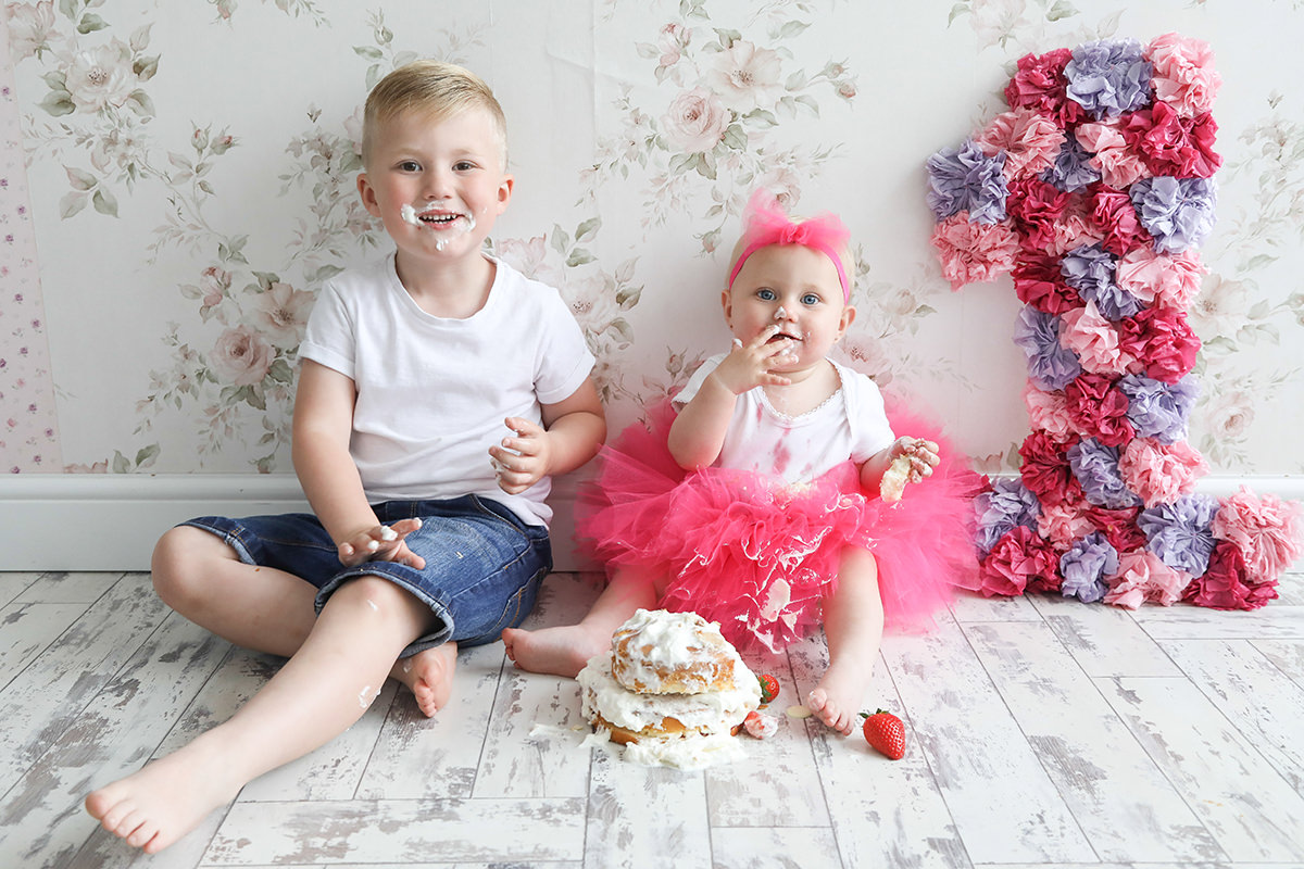 Fun Bump to Baby Cakesmash Photoshoot Manchester and Stockport