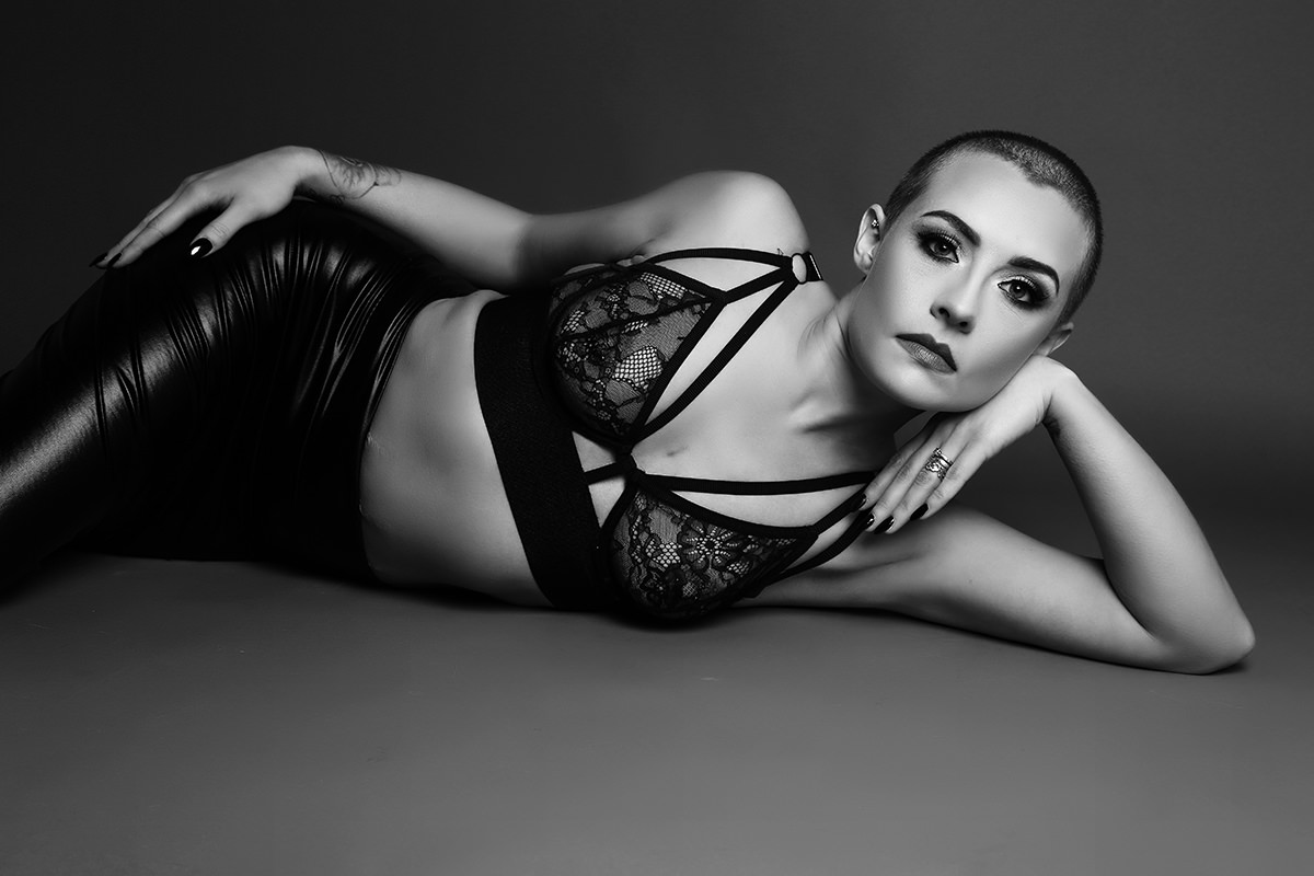 Sensual black and white boudoir Photography