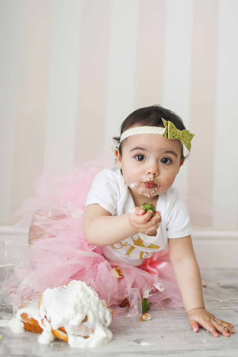 messy cake smash photo