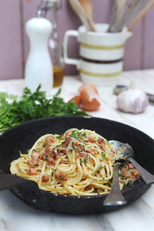 Classic Carbonara pancetta and egg Pasta, a fast, easy and ...  Delicious Pasta Carbonara