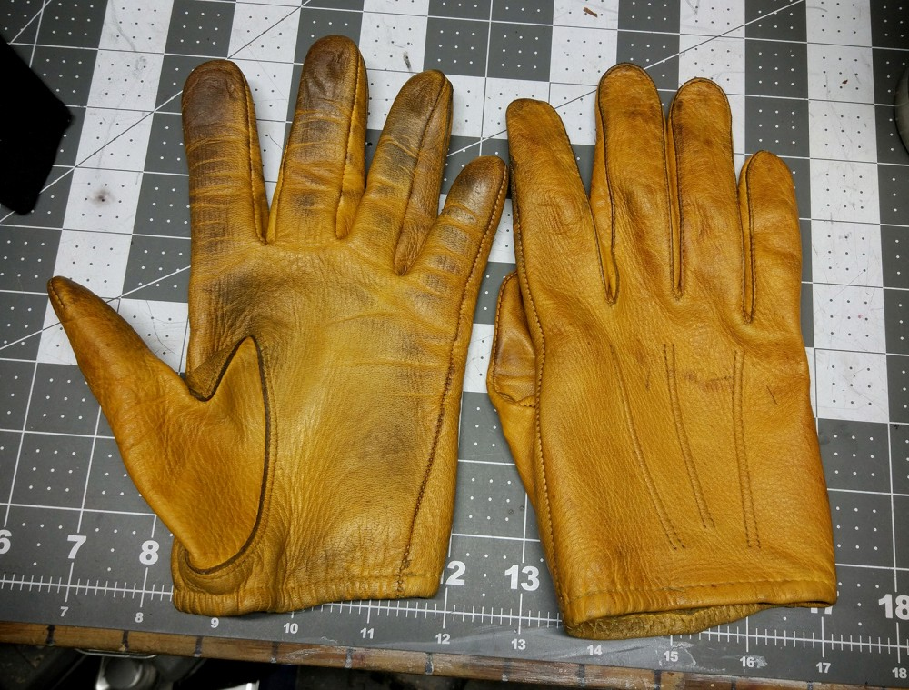 """Leather Gloves.jpeg"""