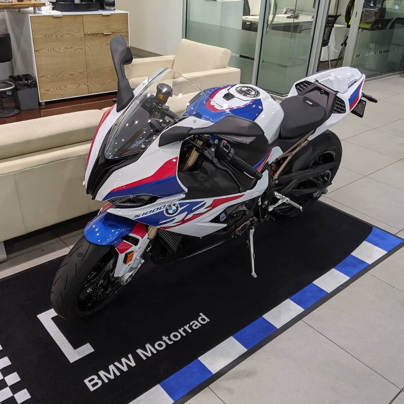 """BMW S1000RR"""