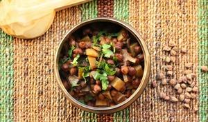 Curry de pois chiches et de pommes de terre 'Pindi'