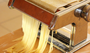 Pâtes fraîches maison pour spaghetti, tagliatelle, ravioli