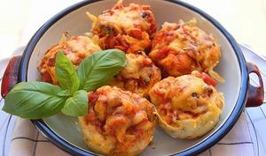 Pizza muffins au cheddar et au basilic