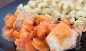 Sauté de porc aux carottes et tomates