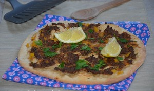Lahmacun ou pizza Turque