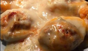 Oeufs farcis aux écrevisses, en sauce Nantua