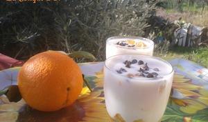 Verrines de crème pâtissière au mascarpone et à l'orange parfumée à la vanille