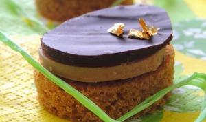 Canapés de Foie gras au chocolat sur lit de Pain d'épices