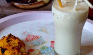 Goûter américain: cookies à la courge et chocolat blanc, milkshake à la banane