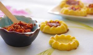 Nids de fromage à la tapenade de tomates