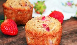 Muffins aux Bananes, Fraises, Noix de Coco et Gruau