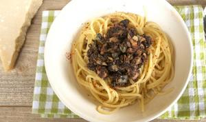Spaghettis au thon et à la tapenade