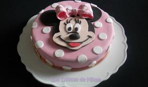 Gâteau Minnie Mouse en pâte à sucre