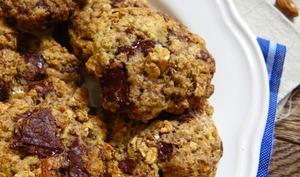 Cookies vegan aux flocons d'avoine, chocolat noir et amande