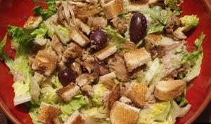 Salade de poulet et de chou kale façon caesar