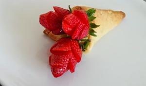 Tartelettes aux fraises et lemon curd en bouquet de roses
