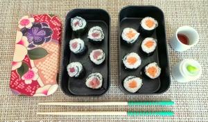 Sushis et makis au saumon et au thon
