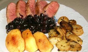 Magrets de canard sauce aux myrtilles ou aux bleuets