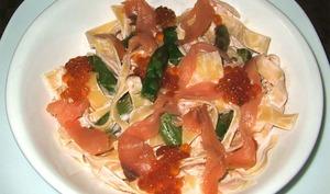 Tagliatelles au saumon et aux asperges vertes