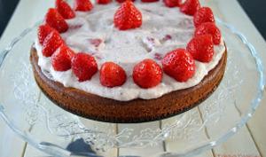 Gâteau moelleux à la fleur d'oranger et mousse mara des bois