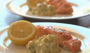 Sauce aux anchois, câpres, fines herbes, huile d'olive pour poisson