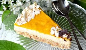 Cheesecake cru à la mangue et à la noix de coco